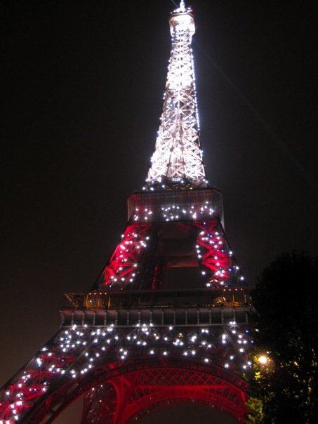 Le Tour Eiffel on our first night in Paris, October 2009